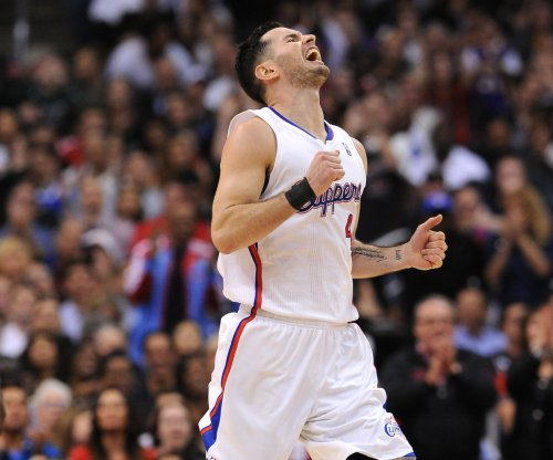 J.J. Redick rebounds to carry Los Angeles Clippers past Milwaukee Bucks