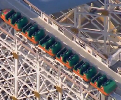 Selfie stick shuts down Disney California Adventure rollercoaster