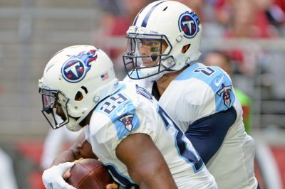 Murray: Future bright for Titans' Henry, Mariota