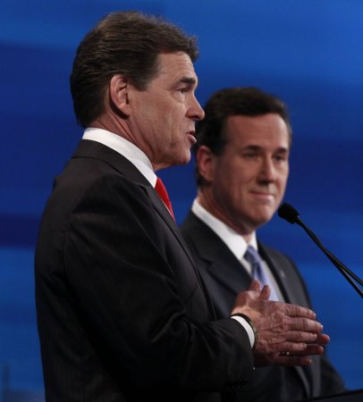 Perry leaves GOP race, endorses Gingrich