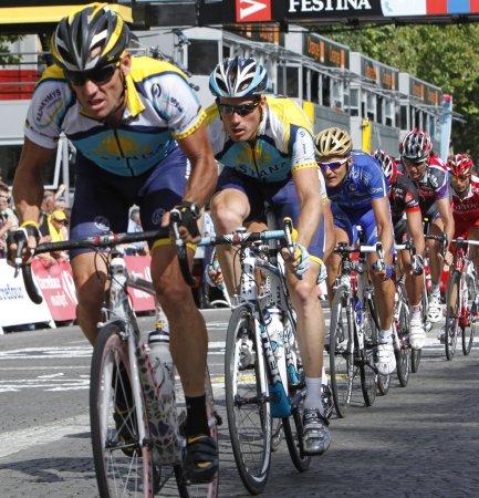 Cancellara takes Tour de France prologue