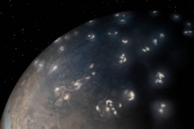 Juno probe helps scientists solve Jupiter's lightning mystery