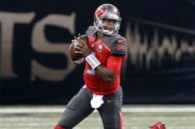 Big games by Jameis Winston, Doug Martin pace Buccaneers' win