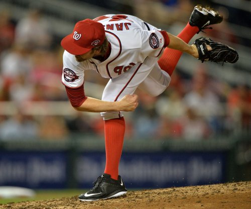 San Diego Padres sign RHP Casey Janssen to minor league deal