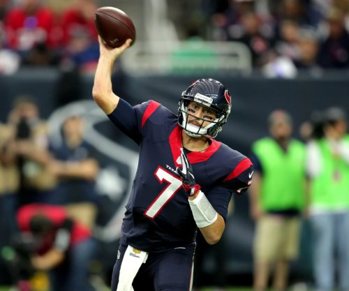 QB Brian Hoyer expected to make decision soon after visiting New York Jets