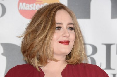 Adele to sign a $130 million record deal with Sony Music