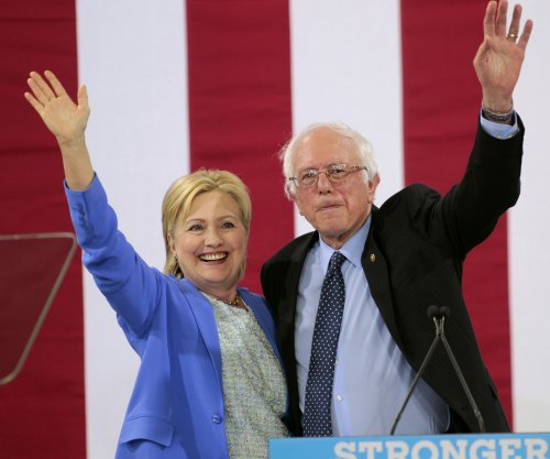 Clinton proposes constitutional amendment to overturn Citizens United