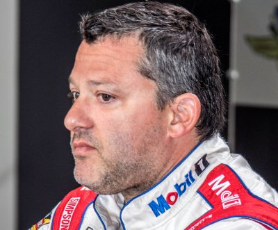 Tony Stewart needs miracle to advance in Chase