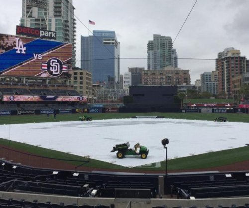 It does rain in Southern California: Los Angeles at San Diego gets rare rainout