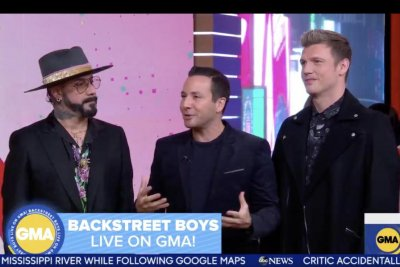Backstreet Boys discuss 'DNA' tour, tease Christmas album