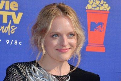 Elisabeth Moss has 'an idea' of how 'Handmaid's Tale' will end