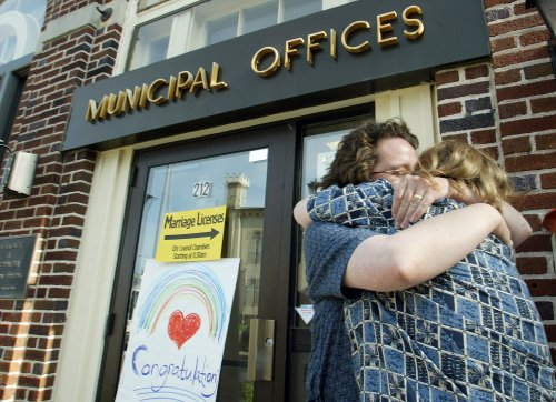 Plaintiffs in Oregon same-sex marriage case first to marry in Portland