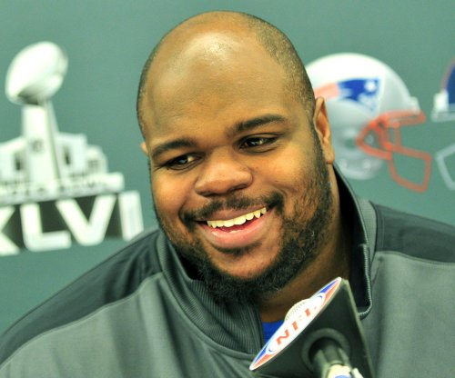 Longtime New England Patriots DT Vince Wilfork signs one-day contract, retires with old team