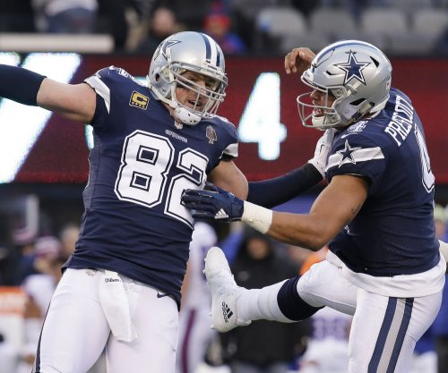 Dallas Cowboys emerge with win over Oakland Raiders -- barely