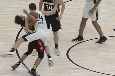 Trae Young, Grayson Allen get into scuffle during Summer League