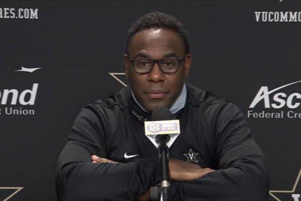 Vanderbilt fires football coach Derek Mason amid winless season
