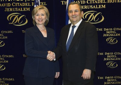 Israel's Barak heads to U.S. for meetings