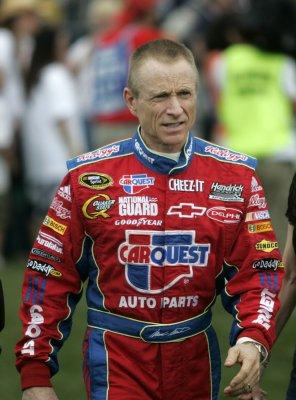 Mark Martin wins Chicagoland auto race