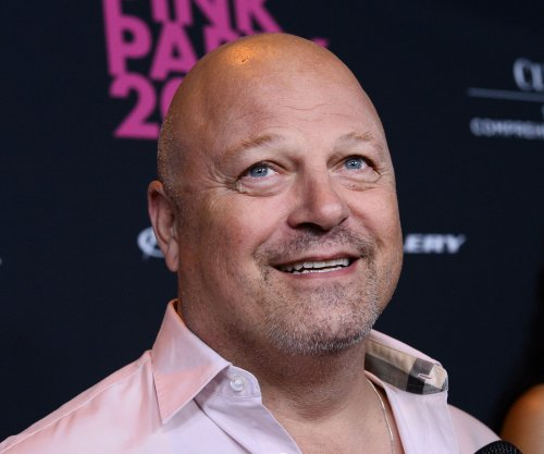 Michael Chiklis joins 'Gotham' season 2