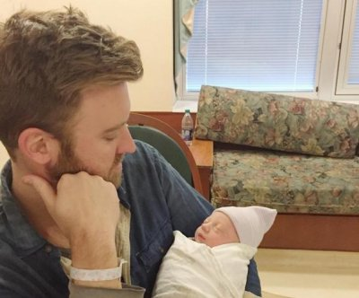 Charles Kelley of Lady Antebellum welcomes first child