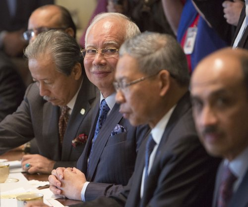 Trump, Malaysian prime minister talk trade, Boeing jets at White House meeting