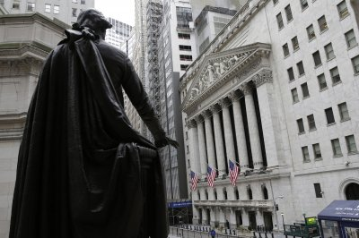 Dow, other U.S. indexes down for the year as retail, tech stocks fall