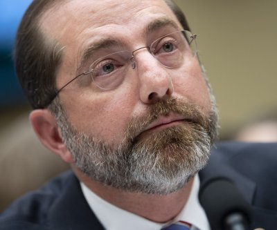 HHS chief: Labs ramp up COVID-19 testing