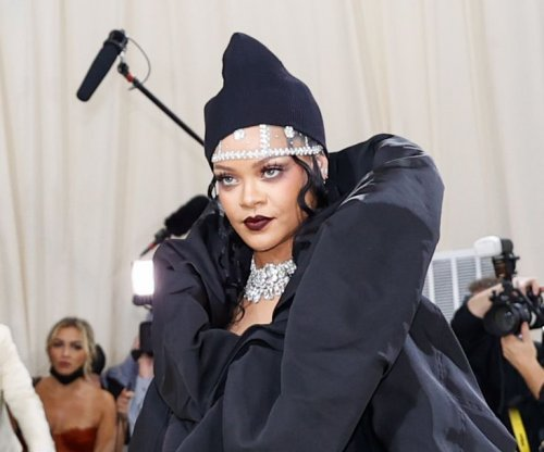 James Corden serves as Rihanna's assistant on 'Late Late Show'