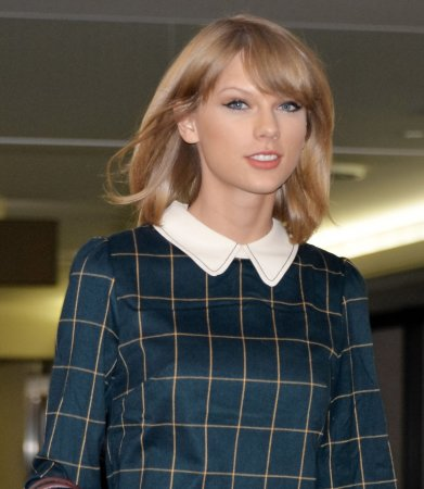 Taylor Swift's '1989' is No. 1 on the U.S. album chart