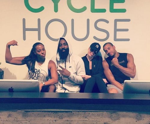 Khloe Kardashian, James Harden cozy up in new photo