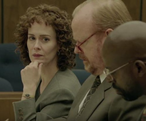 Sarah Paulson stars in first 'American Crime Story' trailer