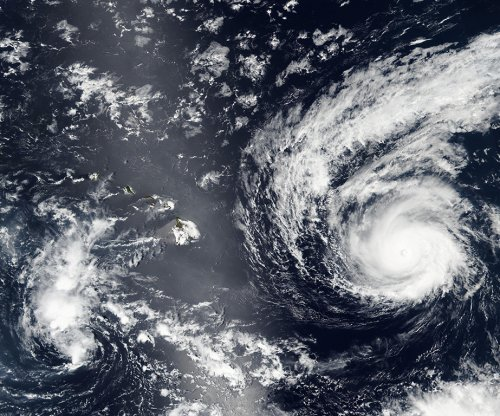 Madeline strengthens into Category 4 hurricane, heads toward Hawaii