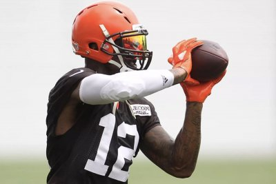 Cleveland Browns WR Josh Gordon can remain on DNR list without penalty