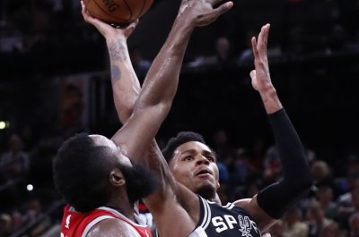 San Antonio Spurs lose Dejounte Murray to torn ACL