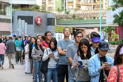 Voters turn out in record-breaking numbers for Hong Kong elections