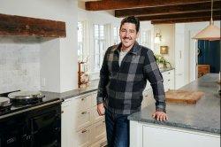 New Kids on the Block's Jonathan Knight becomes 'Farmhouse Fixer'