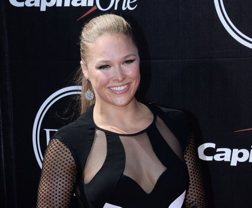 Ronda Rousey to honor Patrick Swayze in 'Road House' remake