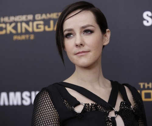 Jena Malone announces pregnancy on Instagram