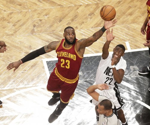 LeBron James, 'top heavy' Cleveland Cavaliers management at odds over roster
