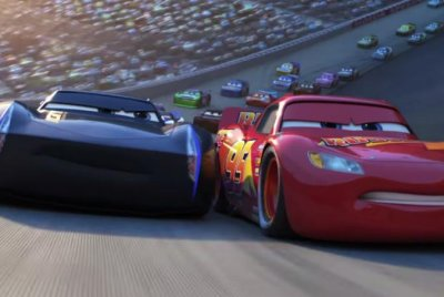 'Cars 3': Lighting McQueen faces retirement in new trailer