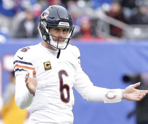 Miami Dolphins reach out to 'retired' quarterback Jay Cutler