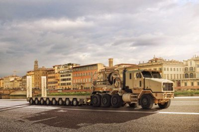 Oshkosh, Broshuis land $13.3M Army contract for new semitrailers
