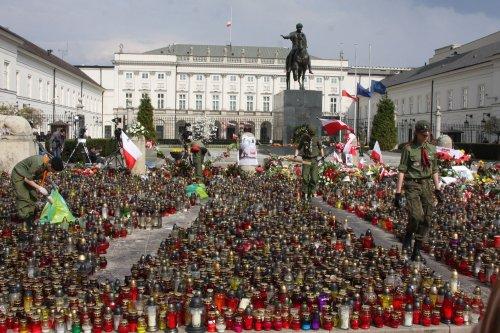Poland sets snap election date