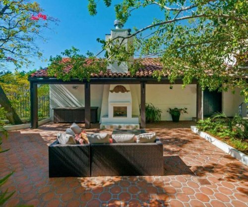 Minnie Driver sells L.A. home for $1.5 million
