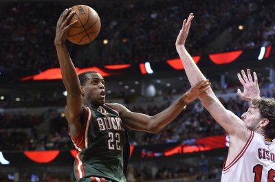Khris Middleton, Brook Lopez to return to Milwaukee Bucks