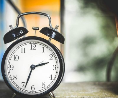 Clocks to 'fall back' as daylight saving time ends Sunday morning