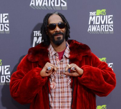 Snoop Dogg to host BET Hip Hop Awards show in Atlanta