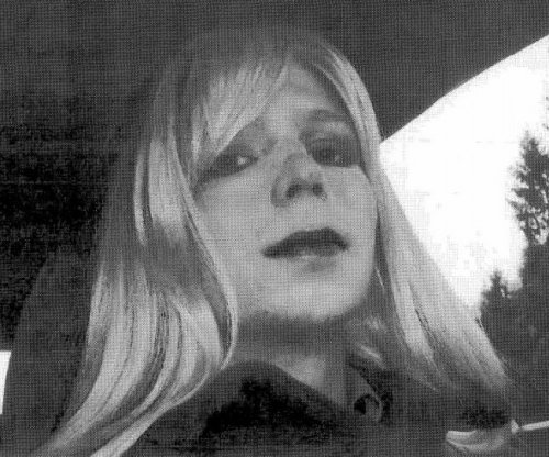 Chelsea Manning writes bill to protect freedom of press