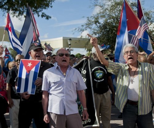 Cuban dissidents not invited to U.S. embassy flag ceremony in Havana