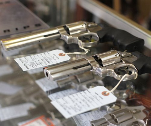 Nearly 140 in Congress ask Obama to shut loophole that allows gun sales without background checks